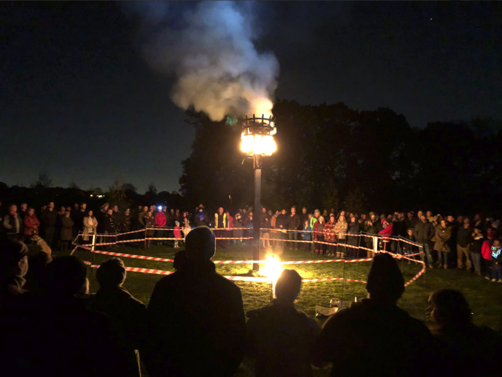 Locals Support the Beacon Lighting